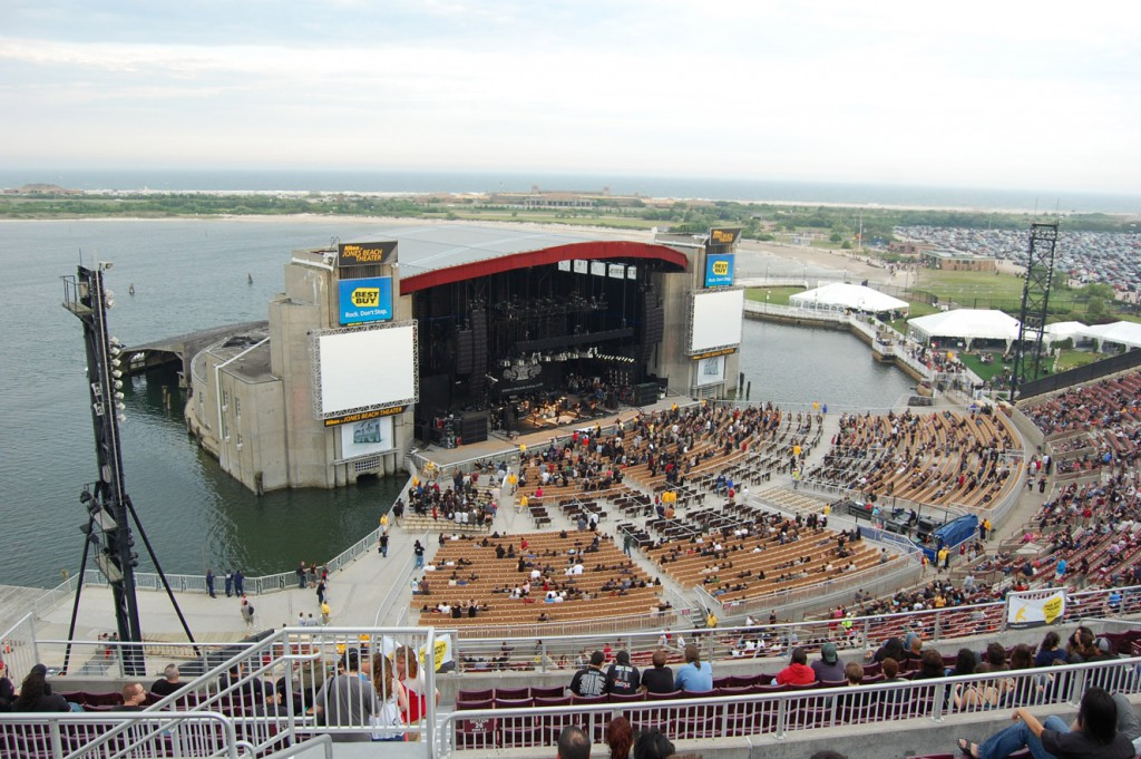 new_york_jones_beach_theater